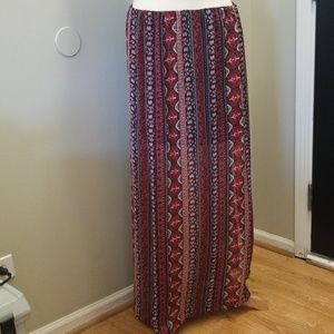 Slit maxi skirt.🍁